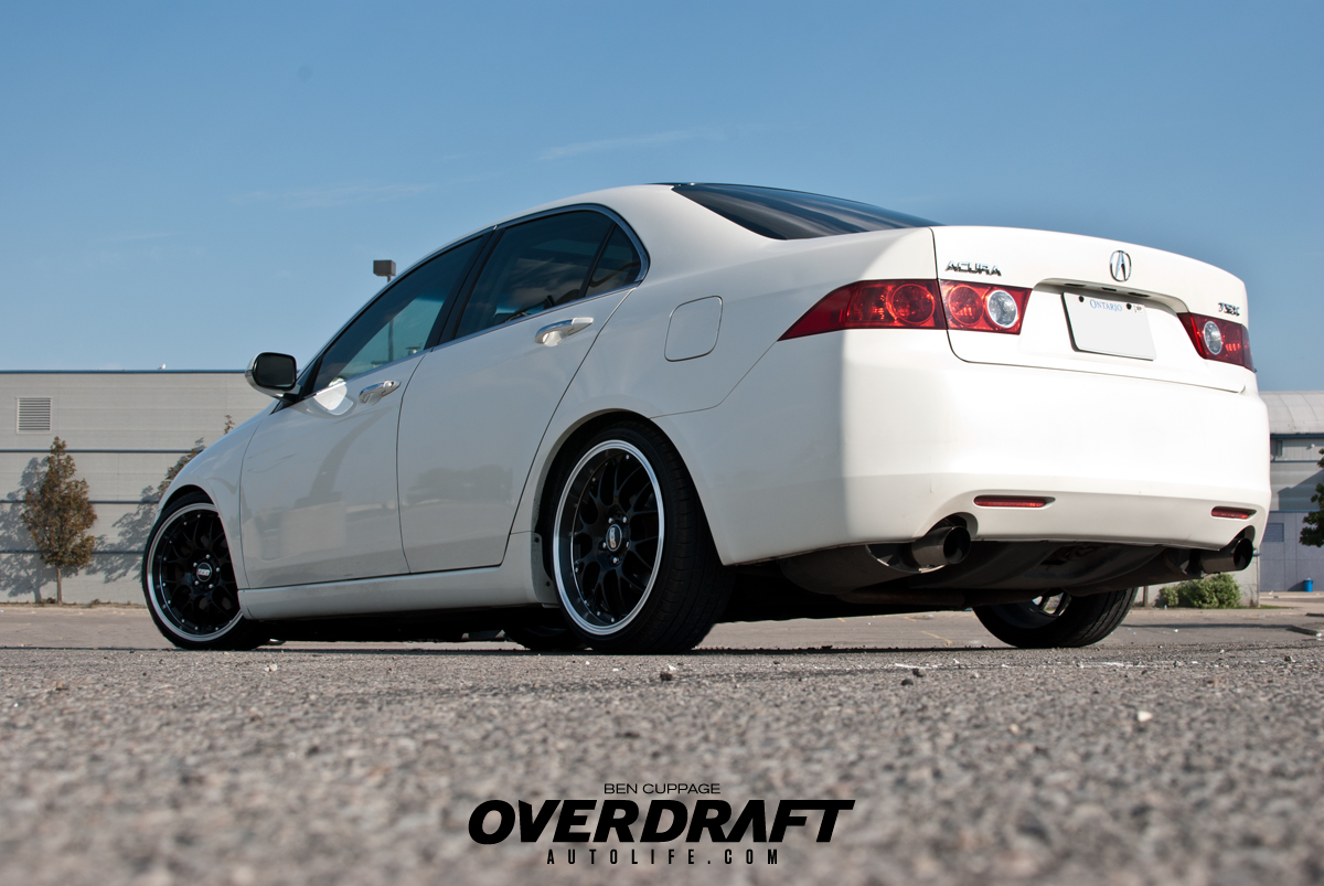 lowered Acura TSX