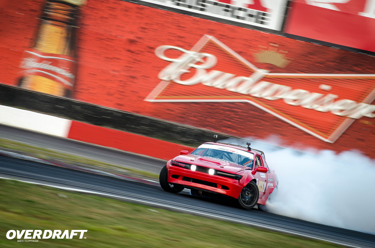 formulad-canada-world-tom-smoke